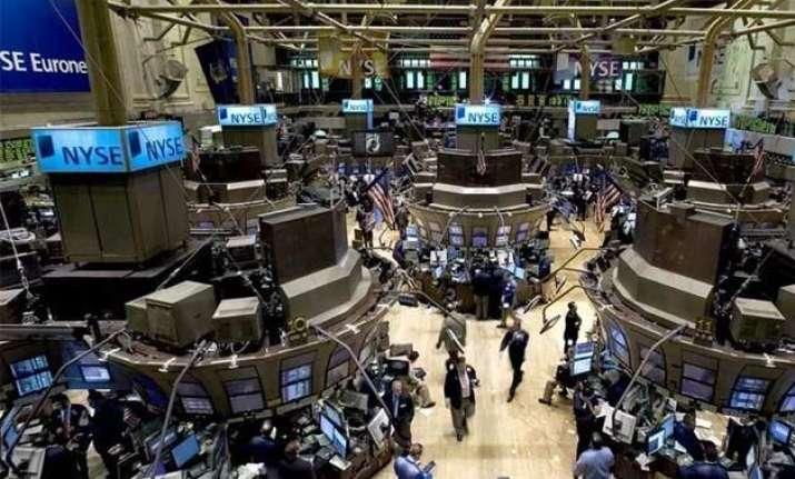 us stocks incur huge losses amid falling oil