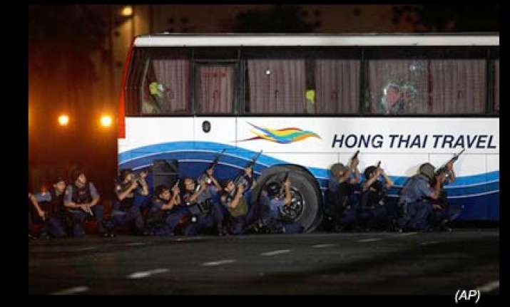 philippines bus hostage crisis ends with 8 dead