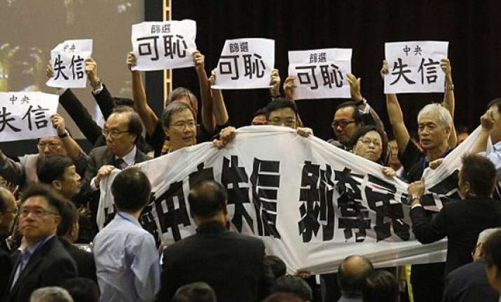 hong kong protesters once again call for democracy