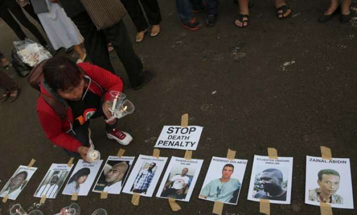 indonesian firing squad executes 8 drug convicts