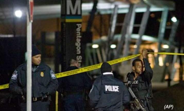 unidentified man shoots two officers outside pentagon