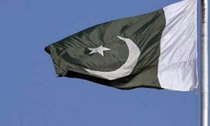 pak asks karachi citizens to carry national identity cards