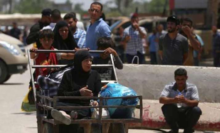 500 killed 8 000 fled as ramadi fell to is says iraq