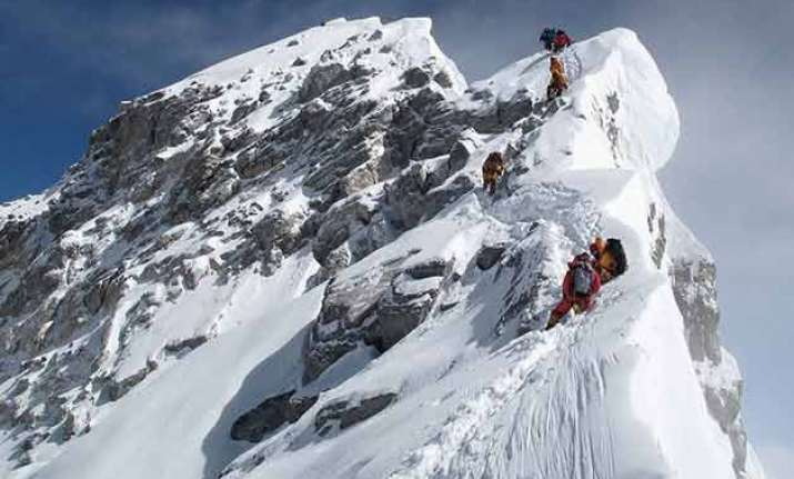 nepal pledges to improve climbing conditions on everest