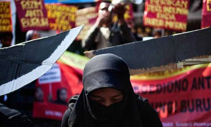 sri lankan maid awarded death by stoning for adultery in
