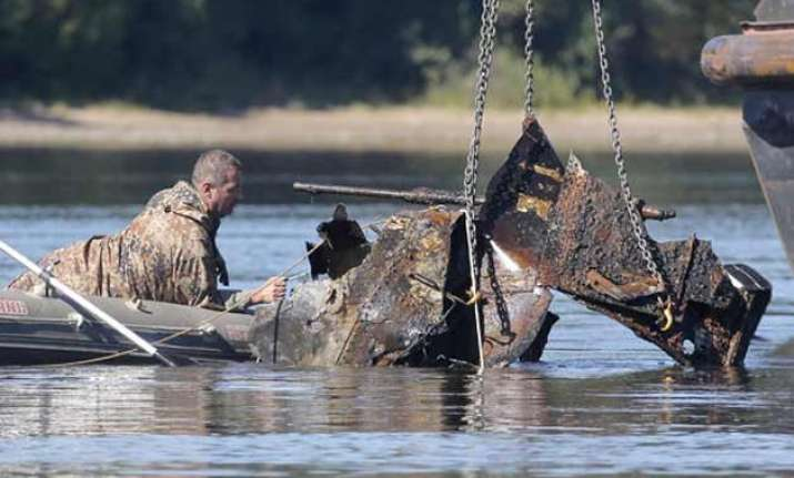 remains of world war ii plane crew found in polish riverbed