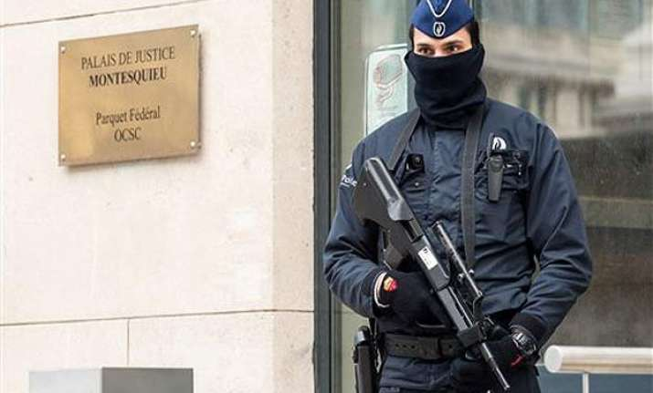 europe anti terror raids net dozens amid high anxiety