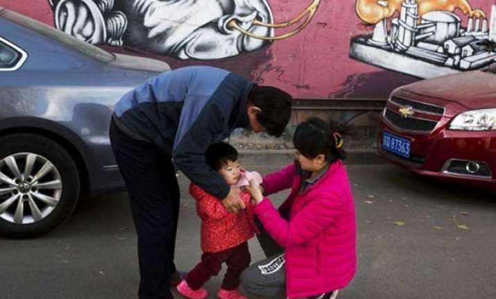 china mulls allowing second child for all couples