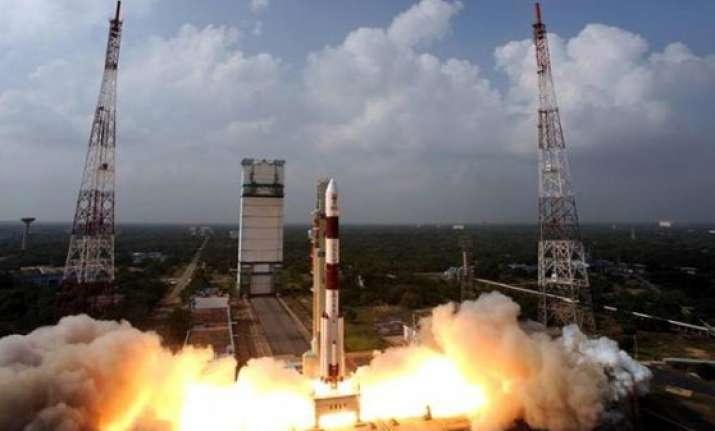 new york times apologises over india s mars mission cartoon