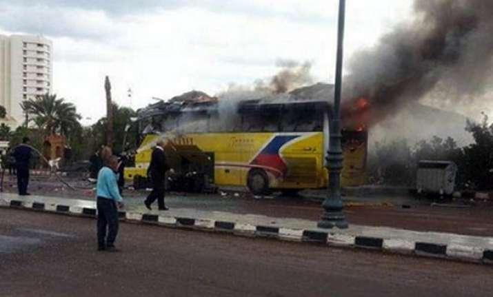 bus with 60 indian pilgrims crashes in uae 3 killed