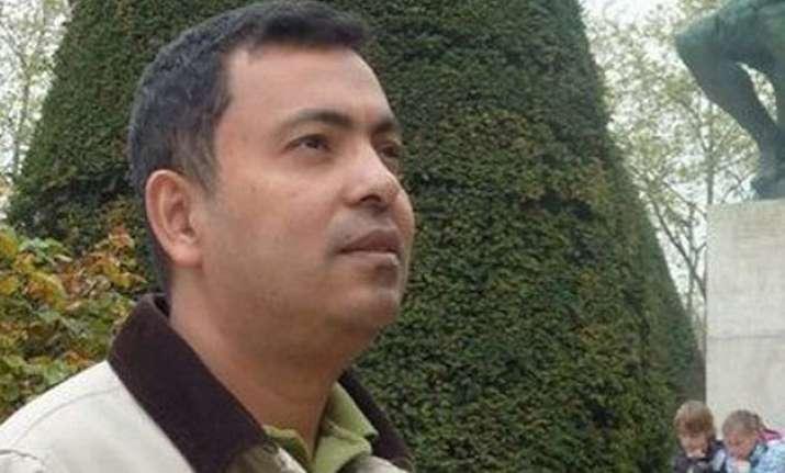 islamic fanatics hack human rights activist avijit roy to