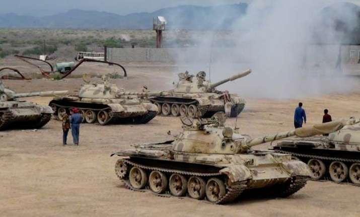 saudi arabia begin airstrikes against houthi rebels in yemen