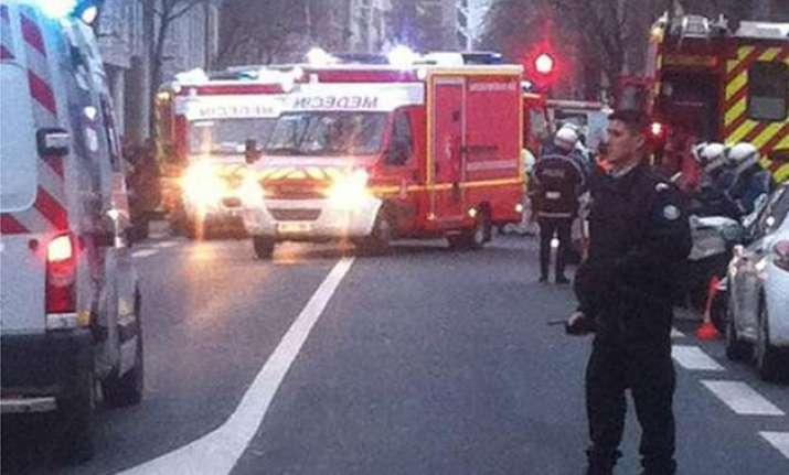 paris police officer dies in fresh shooting explosion heard
