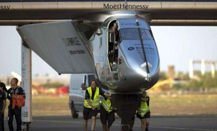 round the world solar plane suspends flight