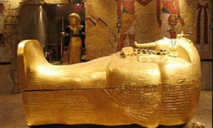 know about the world s 3 greatest gold treasure hunts