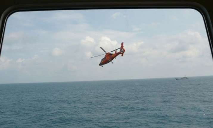 searchers close in on airasia jet s black box as pings heard