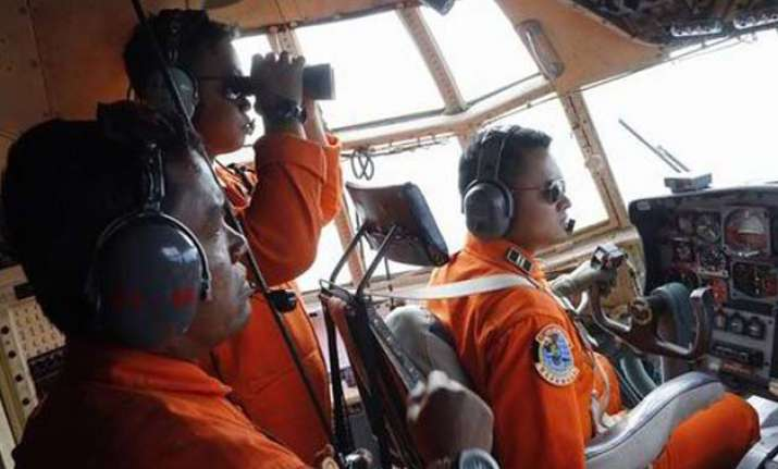black box signals from crashed airasia plane detected