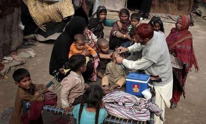 10 held for refusing polio vaccines to children in pakistan
