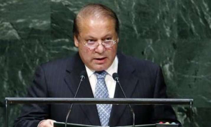 nawaz sharif raises kashmir issue with us senators