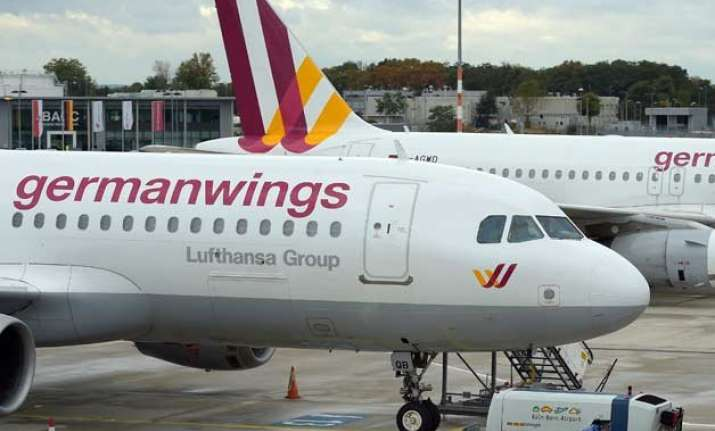 germanwings pilot was locked out of cockpit before crash in