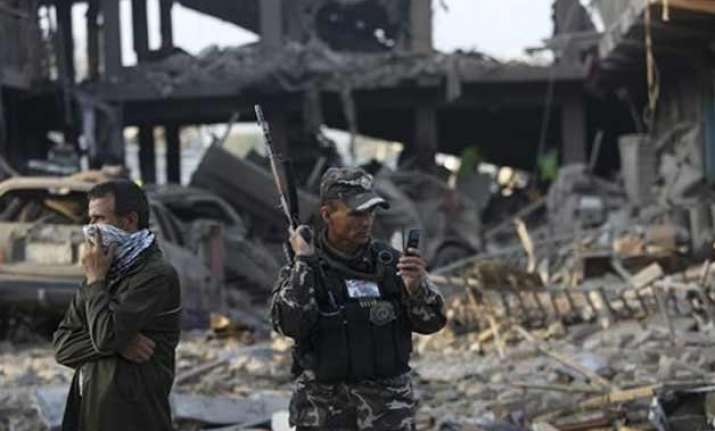 kabul blasts kill 35 test afghan president s peace plan