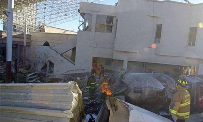 gas blast wrecks mexico children s hospital 2 dead 73 hurt