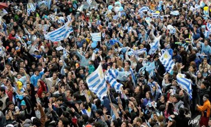 celebrations in montevideo as uruguay reach quarter finals
