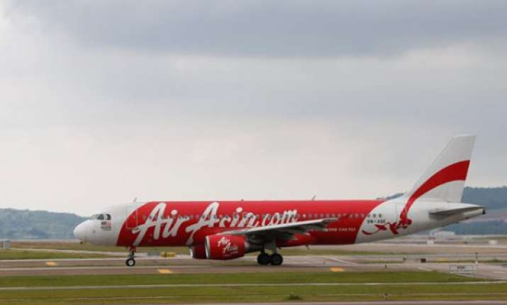 object spotted in sea not from missing airasia plane