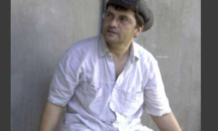 swiss hostage escapes from filipino extremists