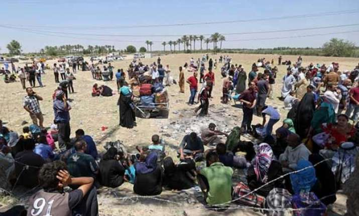 over 6 500 families displaced in iraq s ramadi city