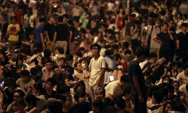 china warns of chaos if hong kong protests persist