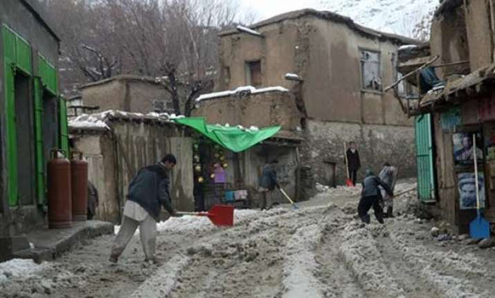 afghanistan avalanches kill more than 100