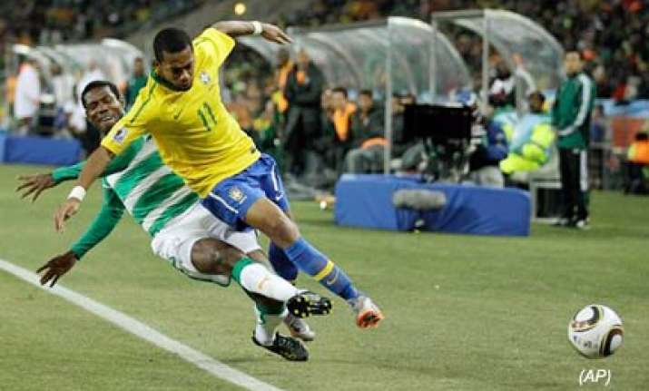 brazil reach last 16 after beating ivory coast