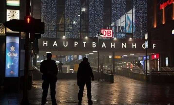 germany shuts munich train stations over imminent threat of