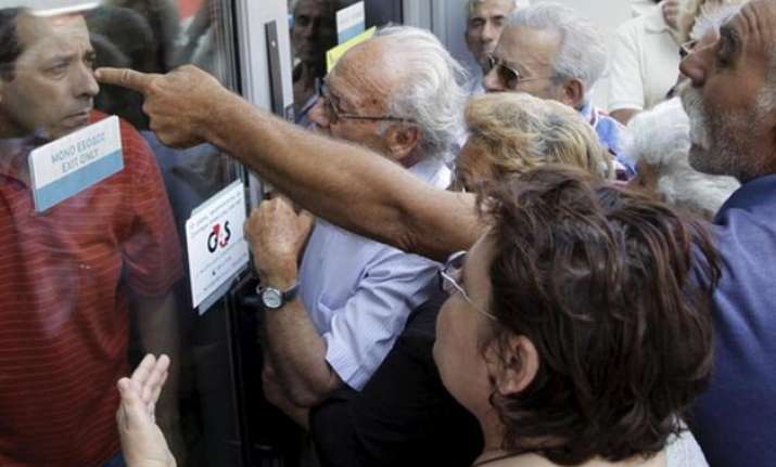 greece extends closure of banks
