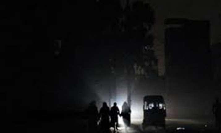 karachi city parts of sindh in darkness due to power failure