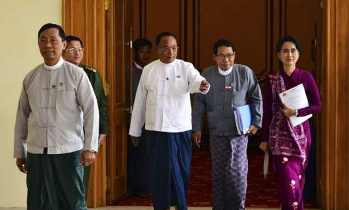 myanmar high level meeting political talks consider reforms