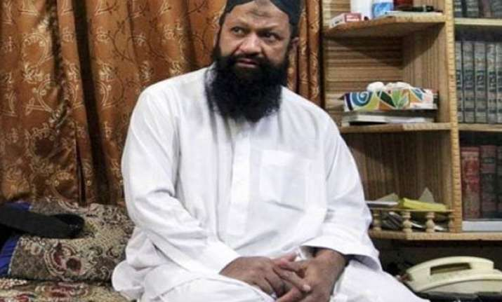 pakistan police kills lashkar i jhangvi chief 13 others