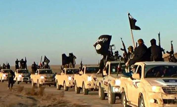 isis posts kill list of 100 us military members urges to