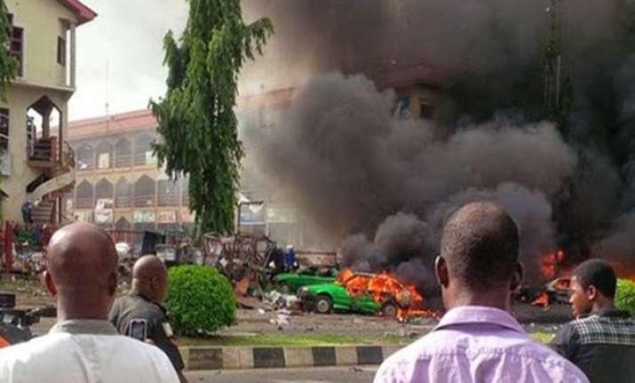 suicide bomber kills 10 in northeastern nigeria market