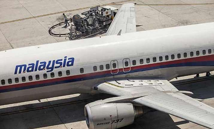 malaysia airlines sued by 2 boys over flight 370