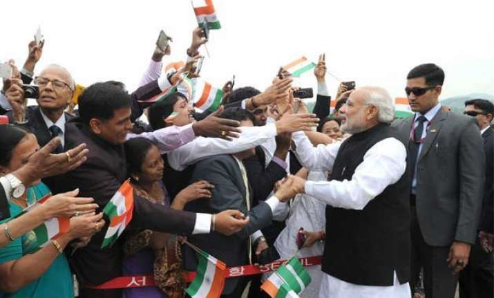 wonderful being in seoul says pm modi to enthusiastic