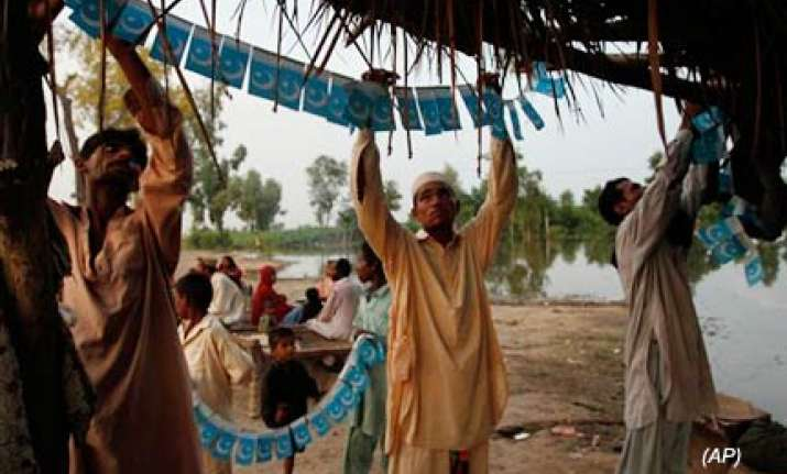 pakistan tones down i day celebrations as floods displace