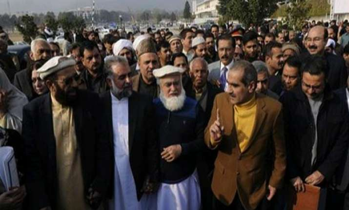 pakistan lawmakers condemn caricatures of islam s prophet