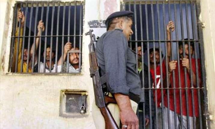 pakistan to release 17 indian prisoners tomorrow
