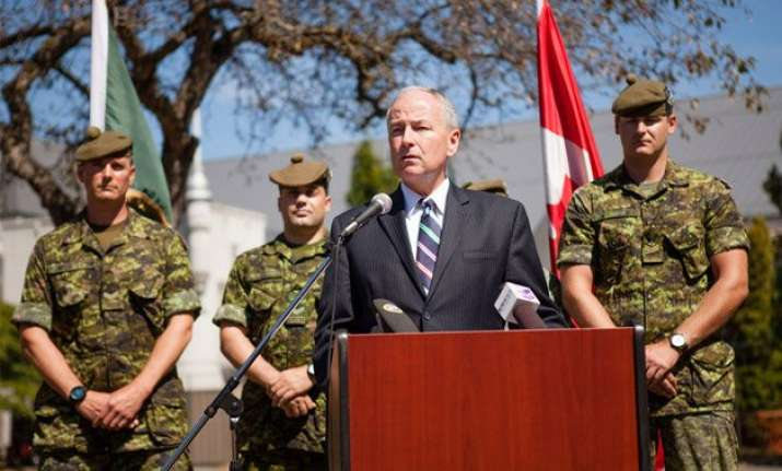 canada to provide iraq with non lethal gear to fight is