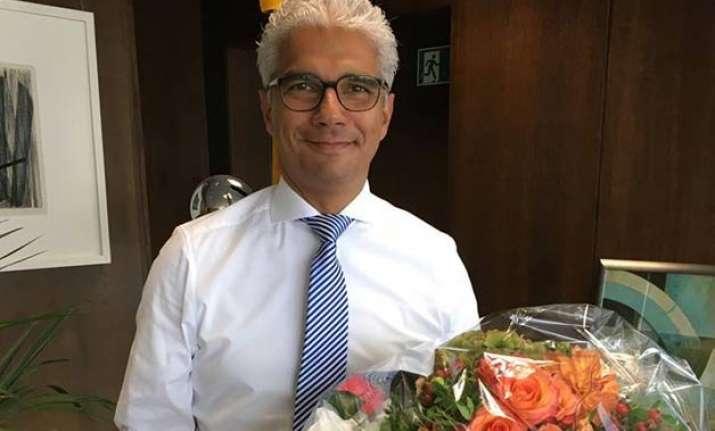 indian origin politician sworn in as mayor of german city