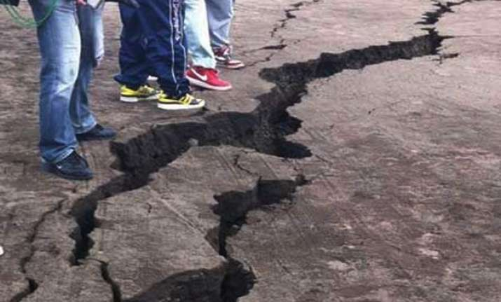 4 killed in 6.5 magnitude quake in china s xinjiang