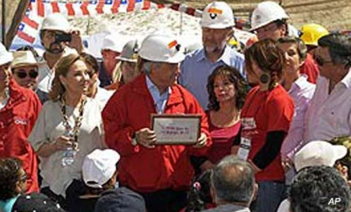 chile president sees miners rescued before oct 15