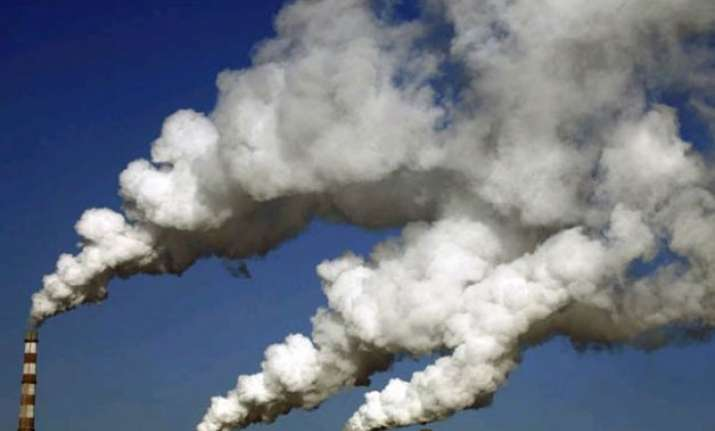 high air pollution cuts most indian lives by 3 years